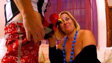 Grosse qui baise avec son mari qui se prend pour un acteur porno